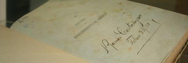 La Biblioteca municipal de Puerto del Rosario expone libros antiguos, raros y curiosos