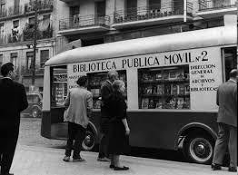 La biblioguagua de Santa Cruz de Tenerife ha echado a andar