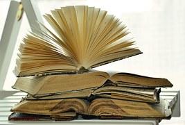 books-1215672__180